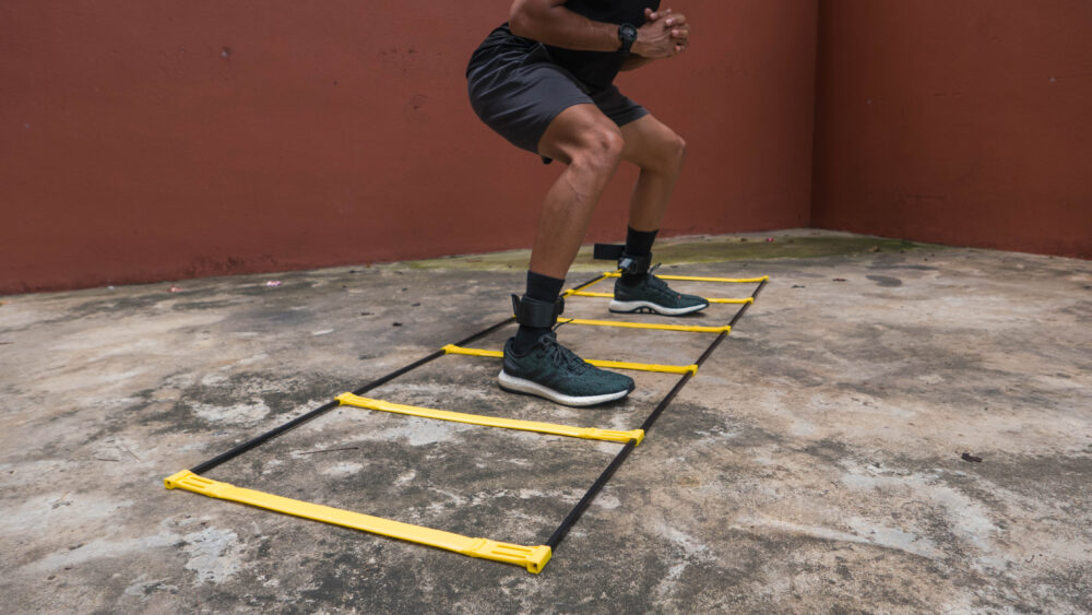 2-IN-1 SPEED HURDLES AND LADDER